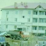 Окнами на посёлок (фото)